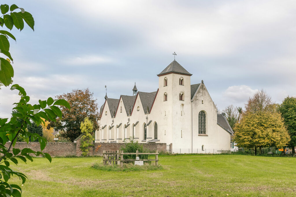 Dünnwald Kirche