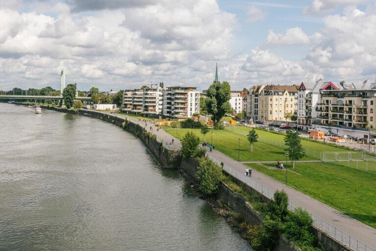 Mülheim Rheinseite
