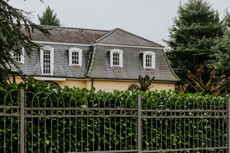 Geerbtes Haus verkaufen: Das sollten Sie rund um Erbschaftssteuer und Co. wissen